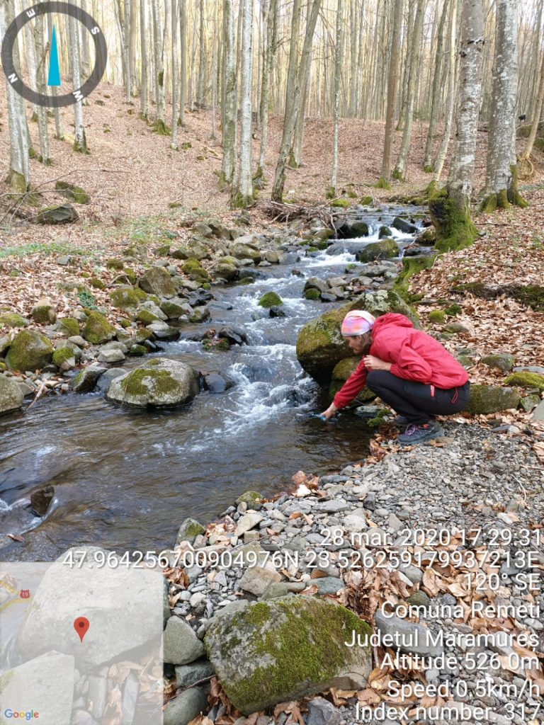 Colectare probe de apă - expert Claudia Butean