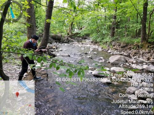 Fig. 2. Măsurarea unor indicatori ai apei râului Piatra, comuna Remeți